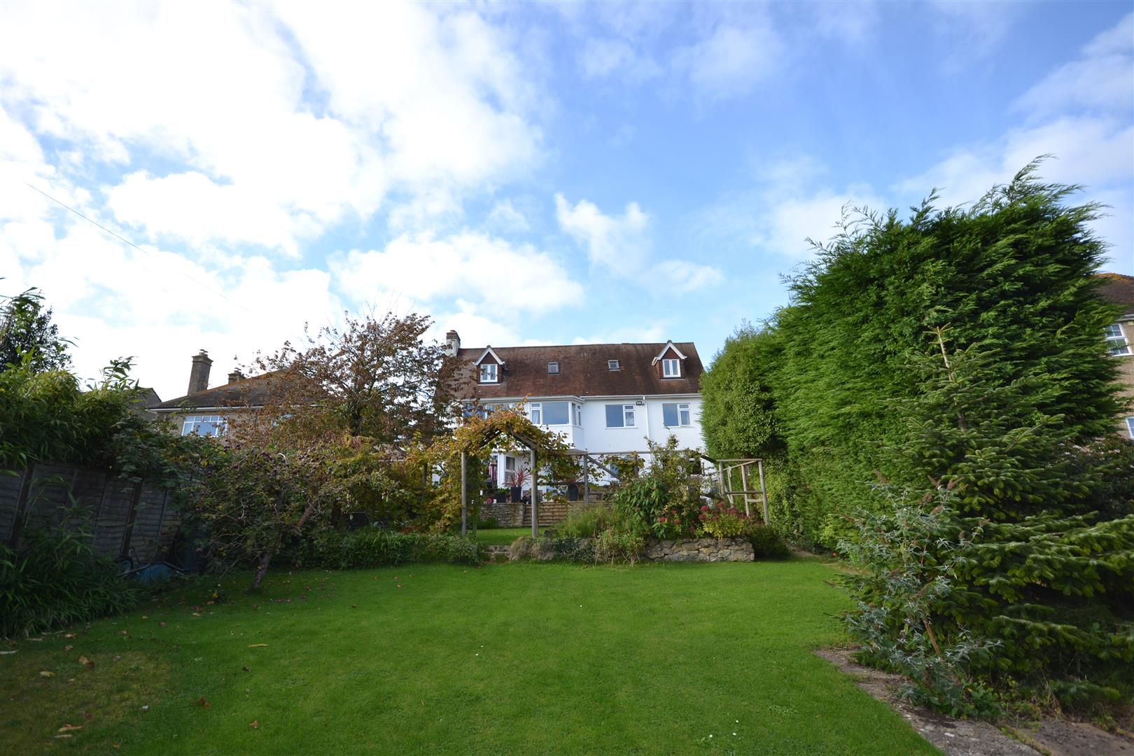 6 Bedrooms Detached House for sale in St Andrews Road, Bridport